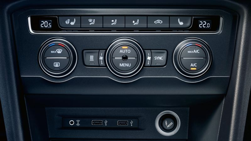 Przyłącze gniazda multimedialnego AUX-IN w Volkswagenie