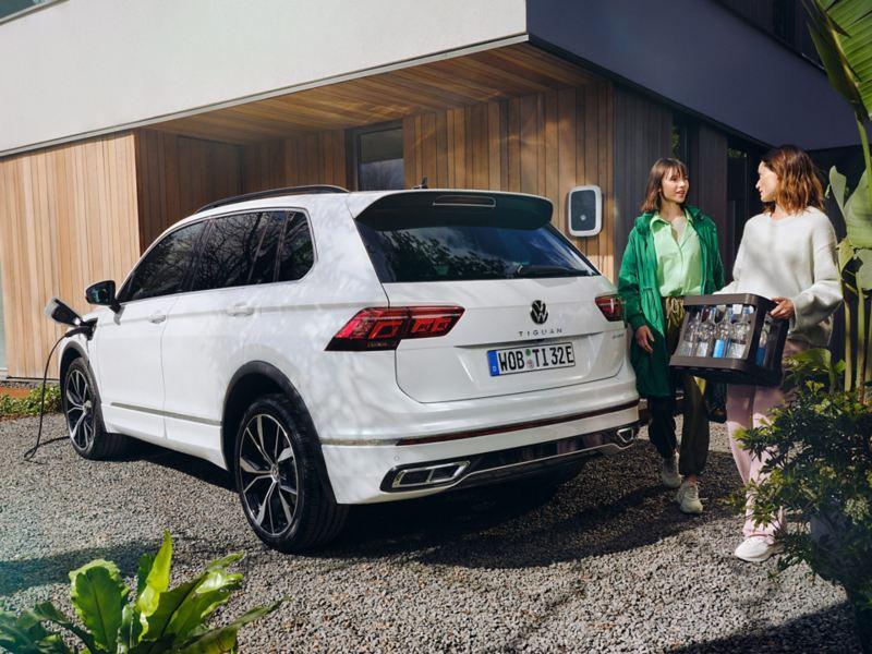 VW Tiguan eHybrid ladbar hybrid SUV