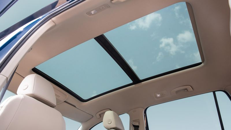 The sunroof of the Volkswagen Teramont