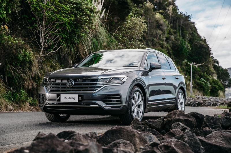 VW Touareg parked in the New Zealand scenery