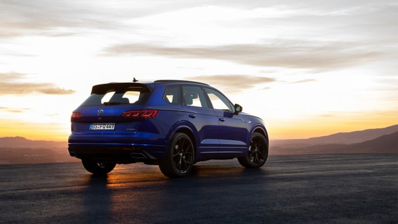 VW Touareg R, rear view, with sunset