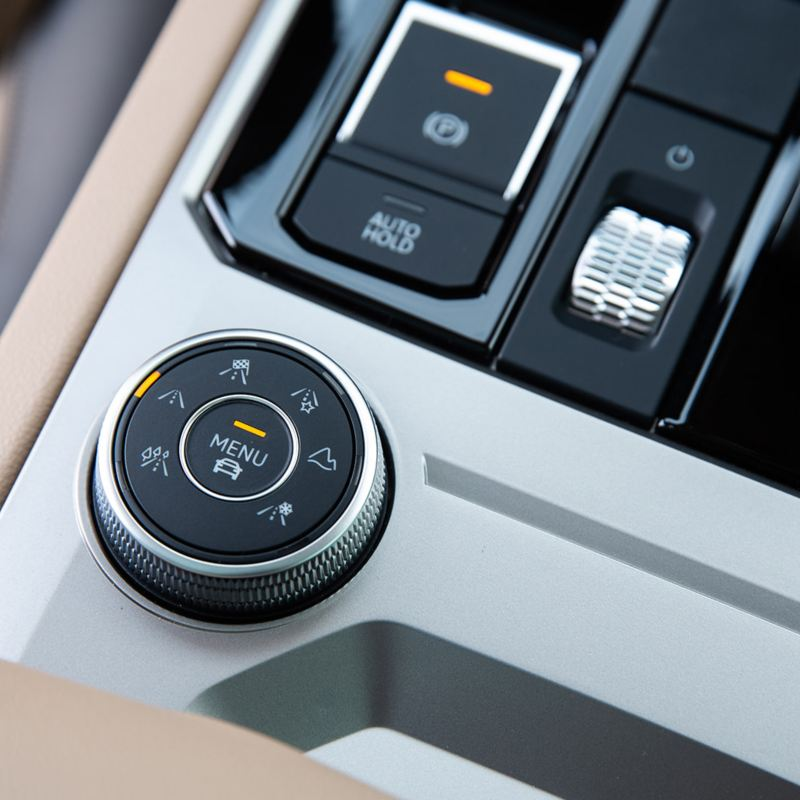 A close up of the drive profile select in the Volkswagen Touareg