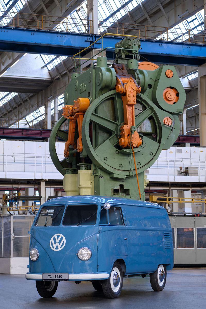 A Transporter Sofie no interior de uma fábrica