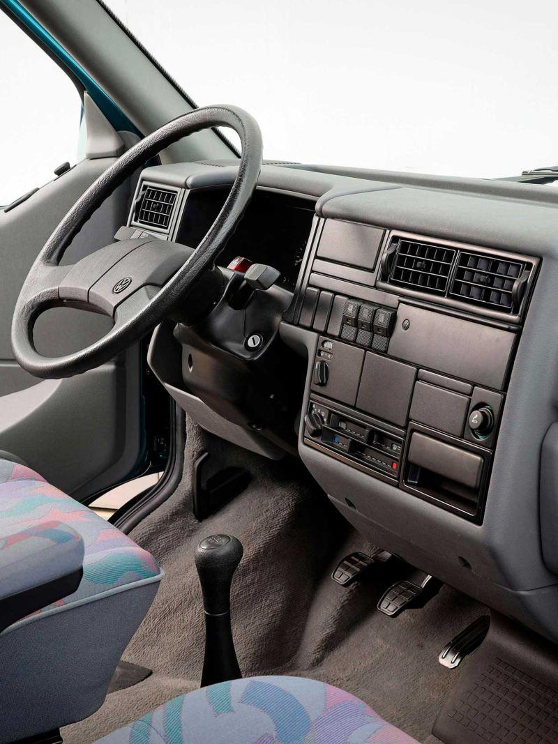 Cockpit da VW T4.