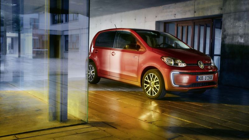 Volkswagen e-up! vista diagonal da frente