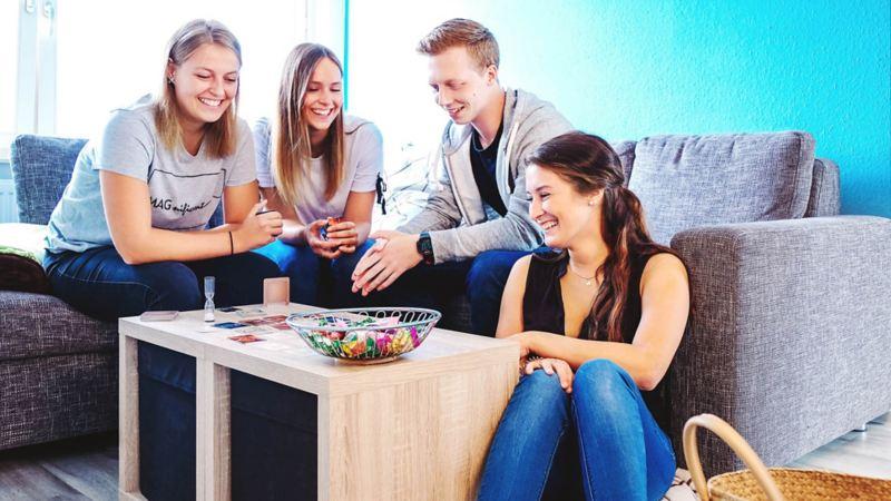 Eine Gruppe junger Freunde