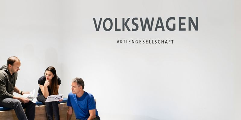 Werk Wolfsburg und Autostadt bei Nacht