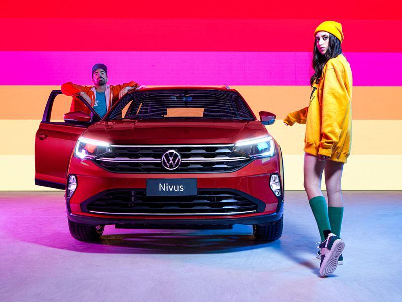 Nicki Favre y Tadeo Carmona son los nuevos embajadores del nuevo Nivus
