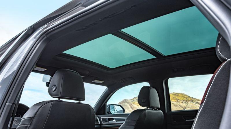 Le toit ouvrant panoramique disponible dans le VUS VW Atlas Cross Sport