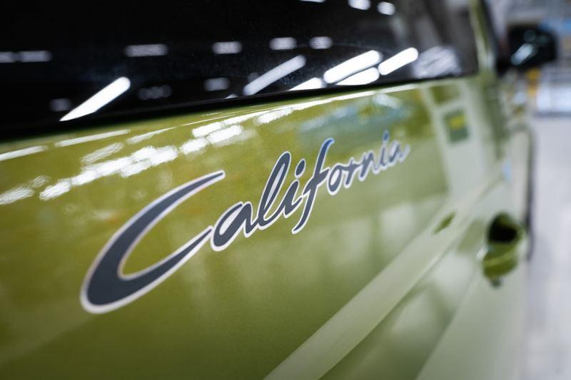 Zbliżenie na napis California