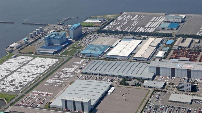 Blick von oben auf das Volkswagen Werk Japan