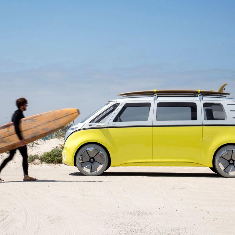 Eldrivna minibussen ID Buzz är VW:s framtida folkabuss med planerad lansering 2022