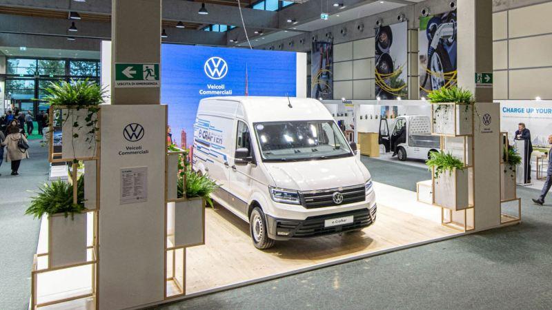 """Un e-Crafter Volkswagen in mostra alla fiera """"Key Energy"""" del 2019 tenutasi a Rimini."""
