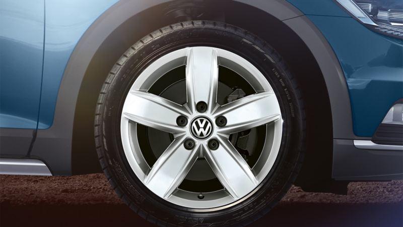Przednie koło VW Passata Alltrack