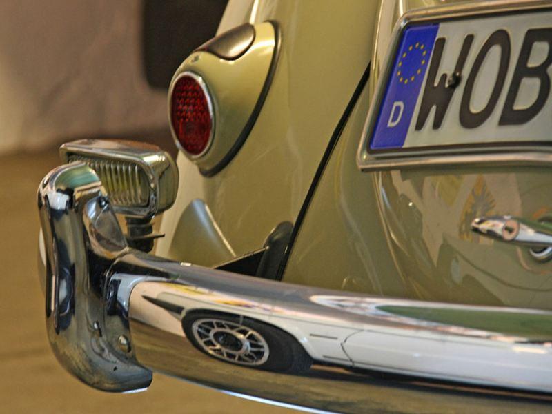 Gros plan sur un ancien modèle Volkswagen équipé de Classic Parts