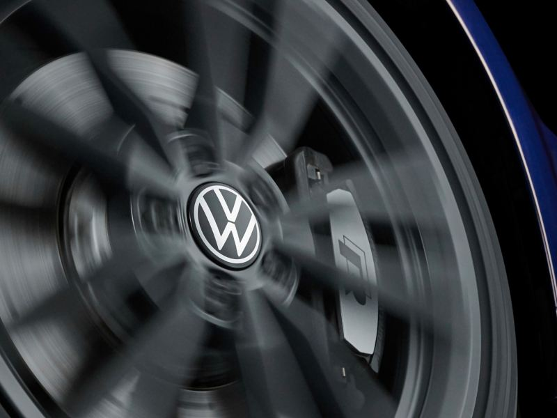 VW tyre with dynamic hub cap – accessories for your car