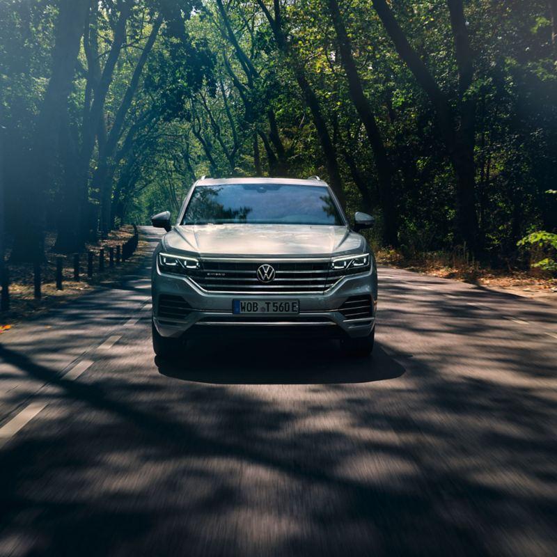 Frontansicht eines Autos der VW Driving Experience