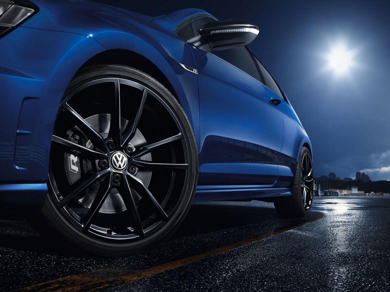 19 inch Pretoria Matte Dark Graphite Complete Wheel