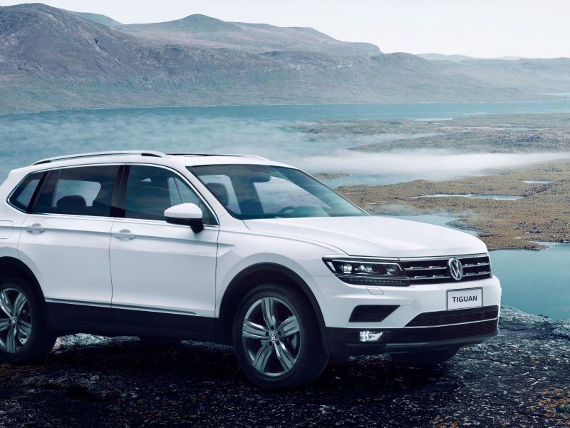 SUV Tiguan con llantas cuidadas con alineación y balanceo en servicios de mantenimiento Volkswagen