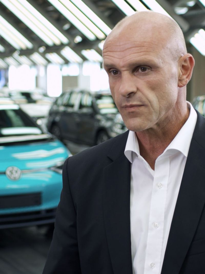 Reinhard de Vries at the Volkswagen factory in Zwickau
