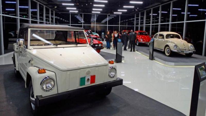 Cabrio Type 3, el auto clásico de Volkswagen modelo 1961 en color blanco
