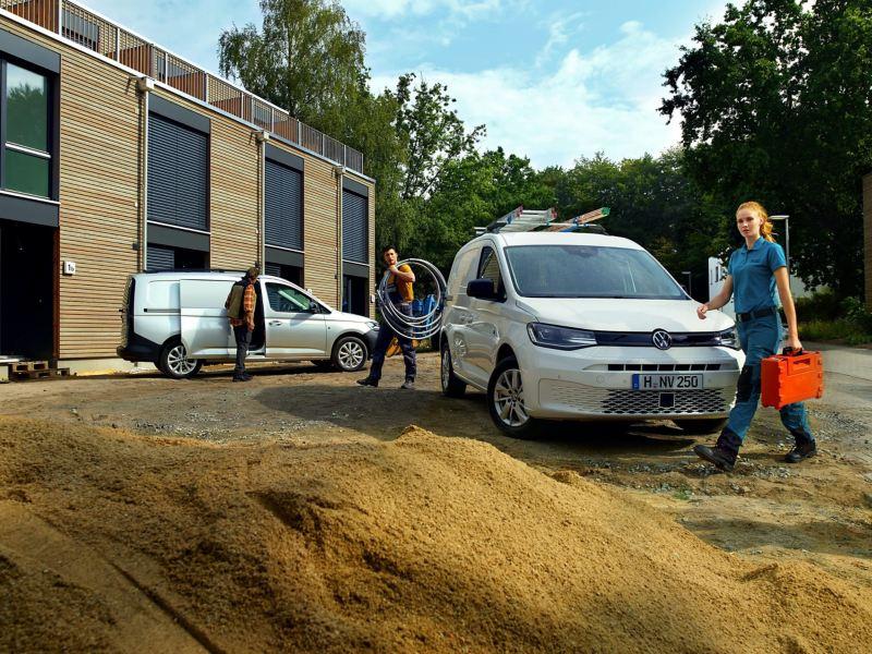 Nuovo Caddy Cargo Volkswagen impiegato in un cantiere.