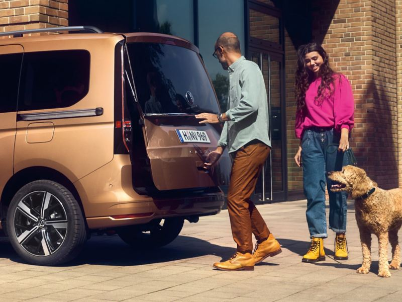 Le nouveau Volkswagen Caddy vu en coupe latérale, de l'arrière.