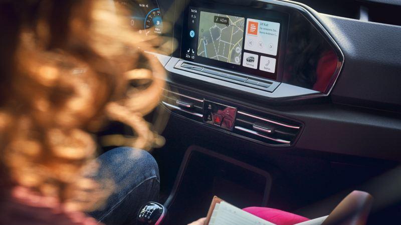 Coup d'œil sur le système de navigation dans un Volkswagen Véhicule Utilitaire.