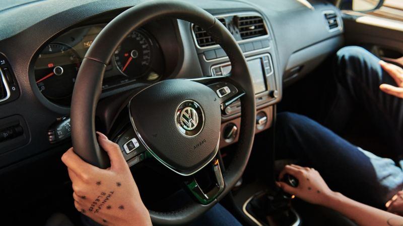 Botón de Control Crucero de Velocidad presente en los carros Volkswagen para mayor comodidad y seguridad