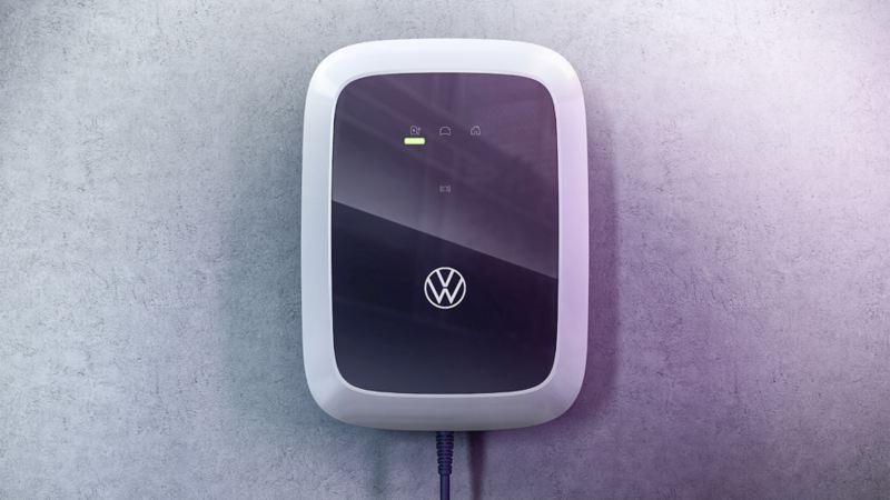 """Co trzeba zrobić, aby mieć w garażu wallbox? Odpowiedź w podcaście """"Elektrycznie tematyczni"""""""