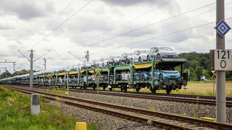 Pociągi Deutsche Bahn przewożące samochody i inne ładunki dla Grupy Volkswagen będą zasilane tylko energią ze źródeł odnawialnych