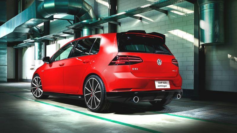 Diseño exterior dinámico de Golf GTI oettinger, auto deportivo ligero, espacioso.