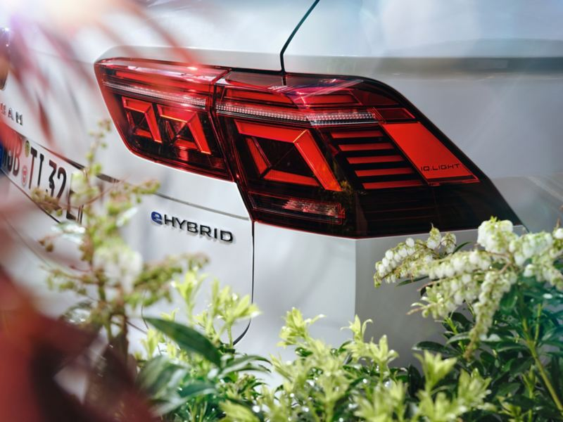 Dettaglio del fanale di coda destro di Volkswagen Tiguan eHybrid