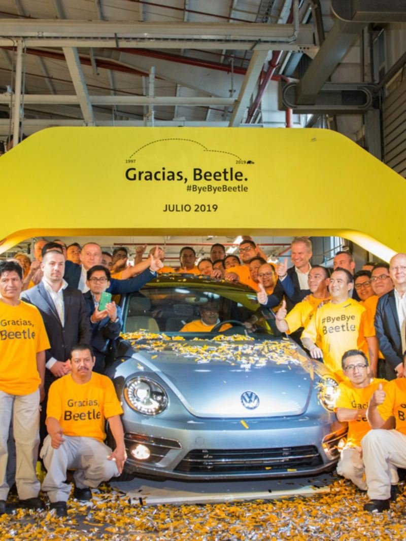 Fiesta de Despedida de auto Beetle en planta de Volkswagen México