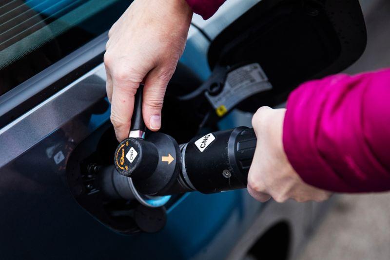 Volkswagen Golf kaasuauton tankkaus