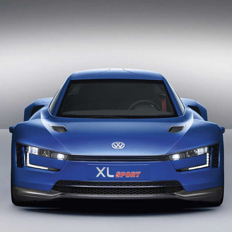 Front shot of the XL1 Sport hybrid concept car