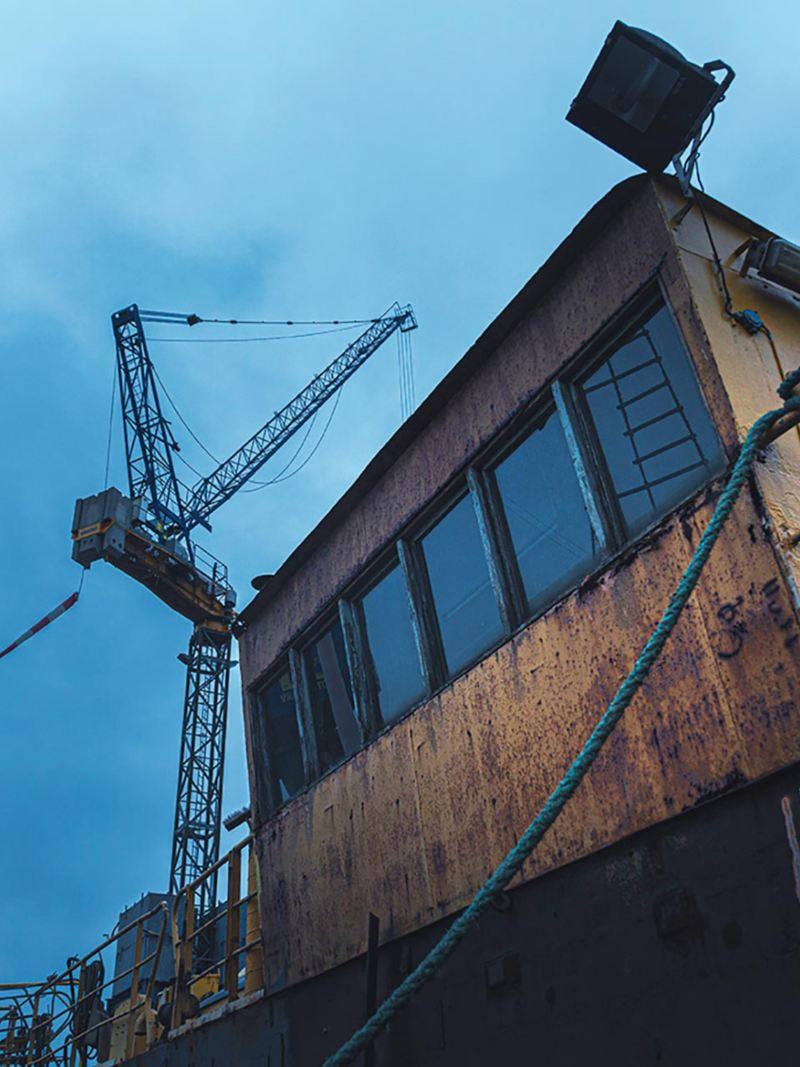 En övergiven hytt i Göteborgs varv