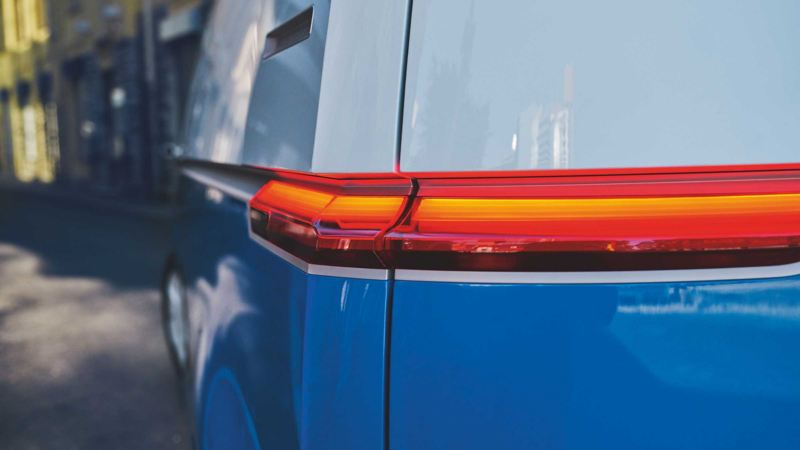 Bildet viser LED bremselys på Volkswagen ID. BUZZ Cargo elvarebil