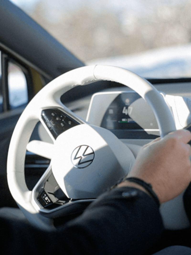 Das weisse Interieur eines VW ID.4