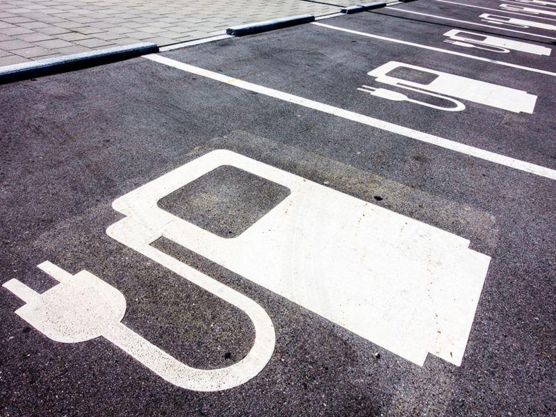 Miejsce ładowania samochodu elektrycznego