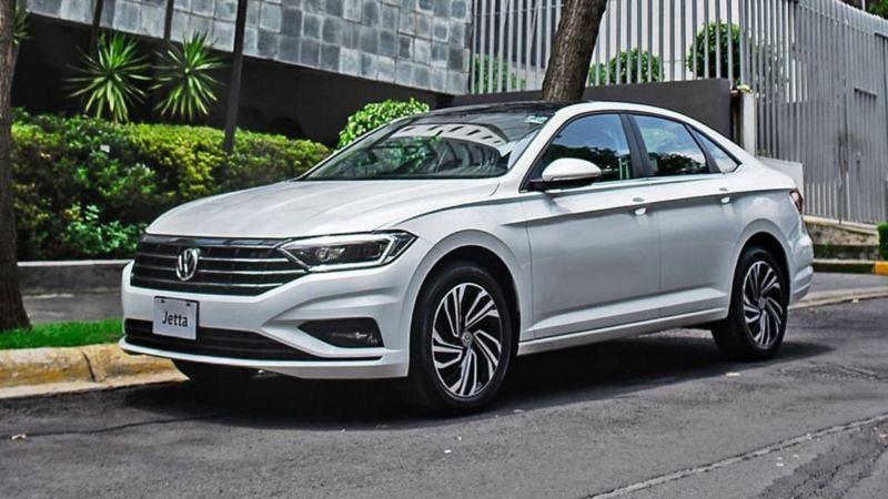 Jetta 2020 de Volkswagen equipado con llantas resistentes de aluminio