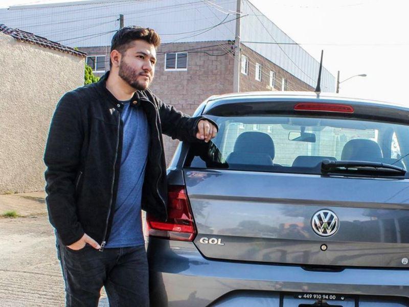 Hugo Saucedo, dueño de Gol Volkswagen. Conoce la historia del conductor y su auto compacto