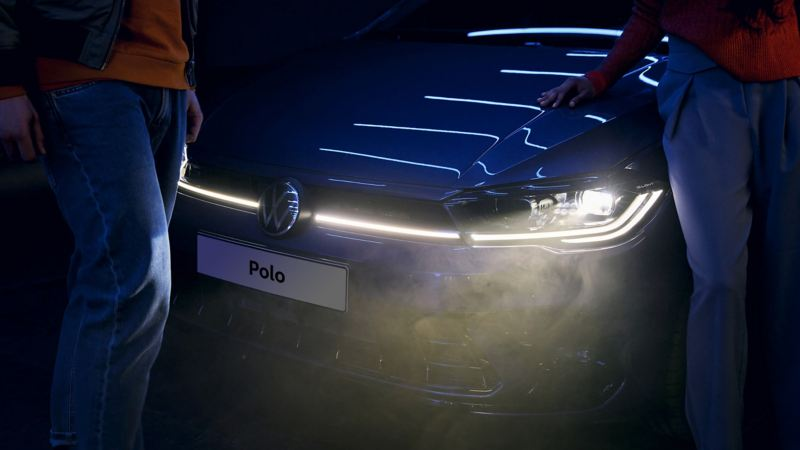 Light signature in the VW Polo: light bar and IQ.LIGHT Matrix LED headlights.