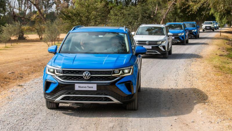 Camionetas VW Taos con plataforma MQB y excelente dinamismo en marcha sobre carretera