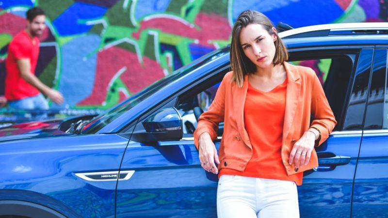 T-Cross de Volkswagen el SUV con diseño tecnológico y vanguardista en tono azul nórdico