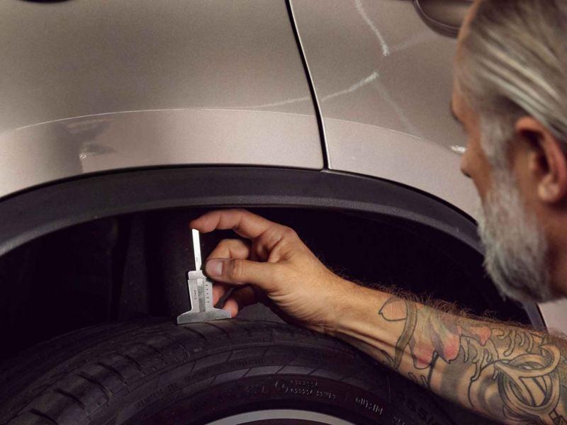 Ispezione pneumatici Volkswagen Service