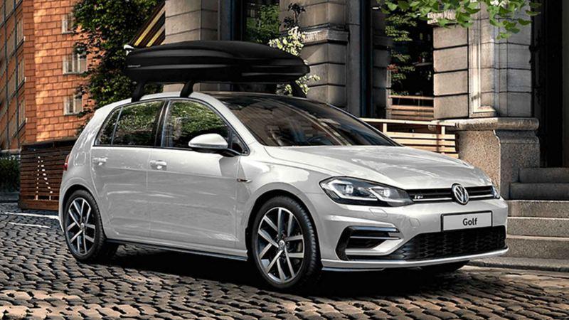 Volkswagen Golf con box da tetto