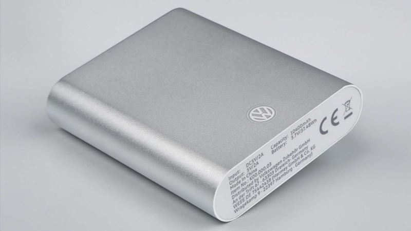 Una Power Bank portatile originale Volkswagen da 10400mAh 5,5V.