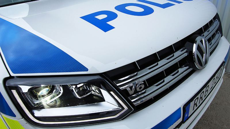 Amarok V6 emblem på polisens nya ombyggda hundbil