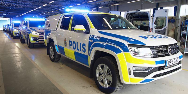 VW Amarok polisbilar på rad: de första sju levererade ombyggda till hundbilar